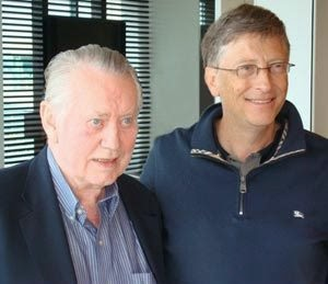 Chuck Feeney with fellow philanthropist Bill Gates