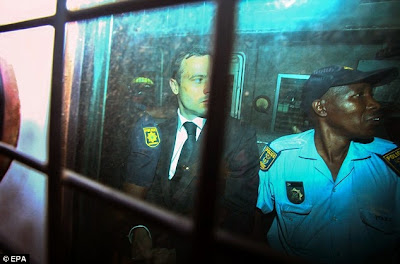 http://www.truyan.com/2014/10/oscar-pistorius-cries-himself-to-sleep.html