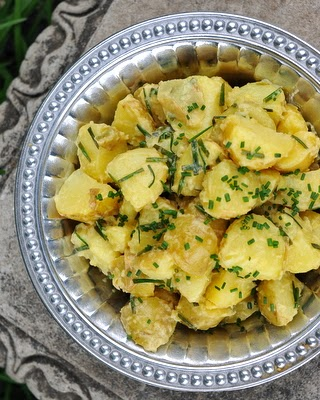 Finnish Summer Potato Salad made with new potatoes and a simple vinaigrette. Vegan, paleo, easy. #BestRecipes of 2014 from #AVeggieVenture.