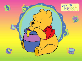 Winnie comiendo miel