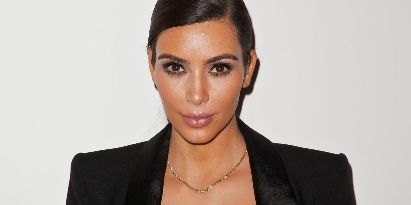 Two Best Moments: Ice Bucket Challenge-nya Kim Kardashian dan Intip Liburan Vocalis Incubus di Lombok dan Bali