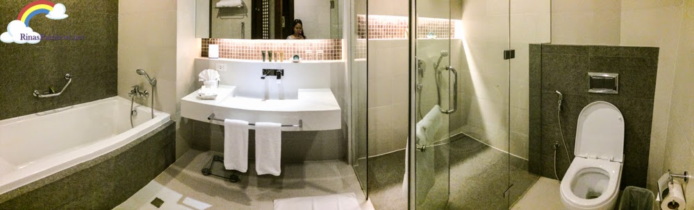 bellevue bohol bathroom