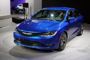 2016 Chrysler 200 Convertible and SRT Specs Review