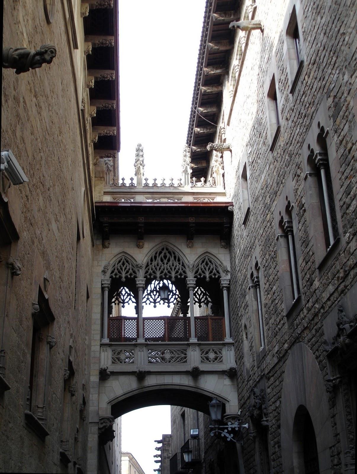 Alentours barcelone le quartier gothique barri gotic for Quartiere gracia barcellona