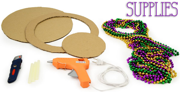 Charger Plate, DIY, Mardi Gras Beads, Bead Upcycle, Mardi Gras Decorations, Tablescape, Mardi Gras Bead Craft