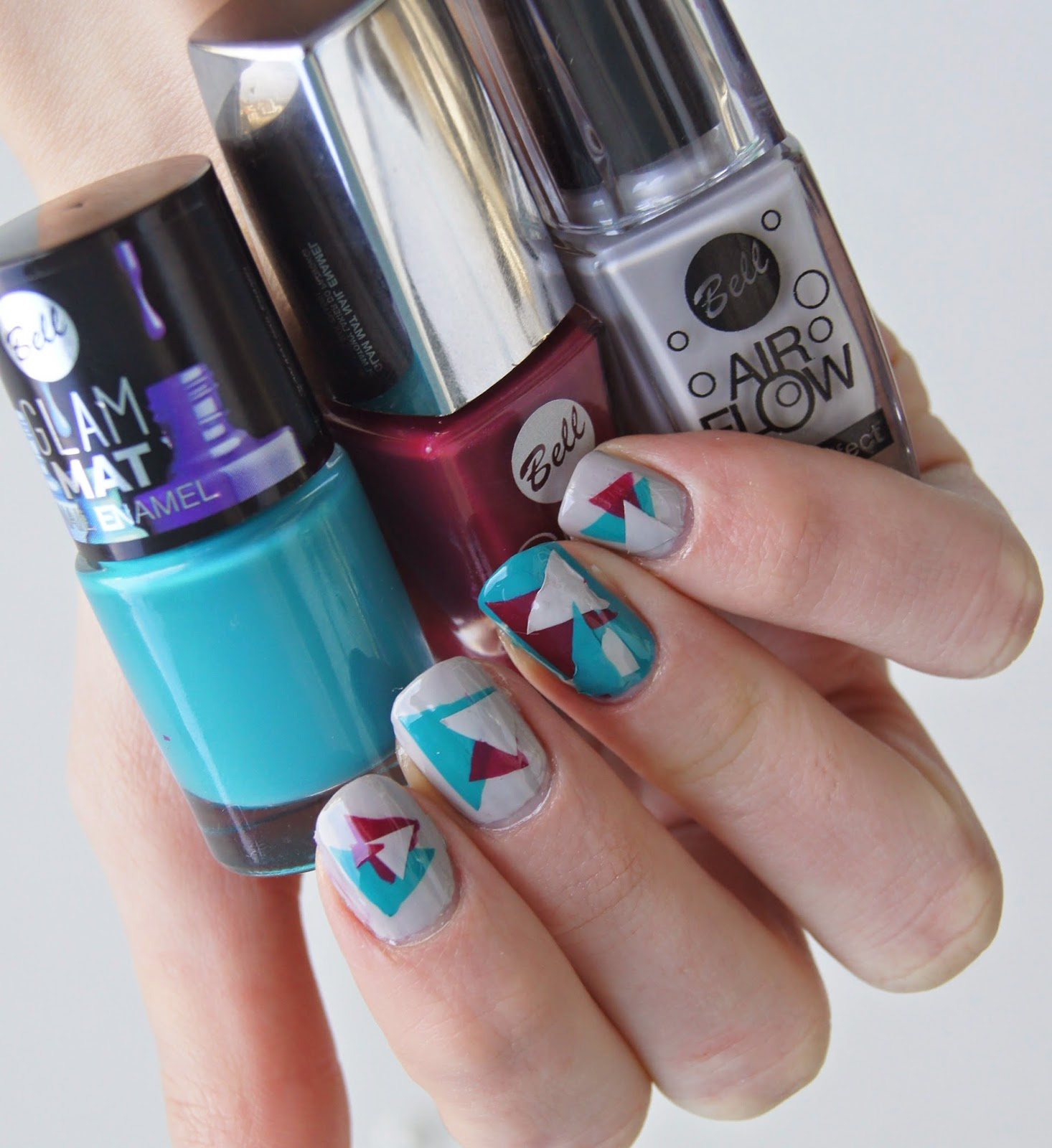 nail art tricolore triangles