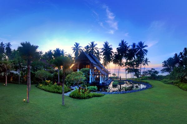Puri-Ikan-Jasri-Beach-Villas-in-Bali