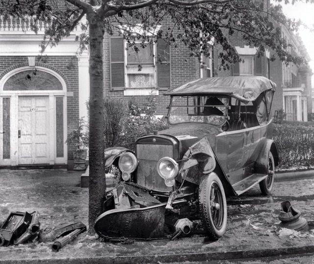 Damn Cool Cars Vintage Car Accidents