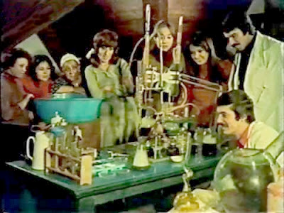 deneyi, deterjan, el, evde, gözler, gülen, hobi, kimya, kostik, NaOh, nasıl, sabun, sabunlaşma, sahnesi, temizlik, tencere, ugrasi, yapımı, yapmak, zeytin yağı