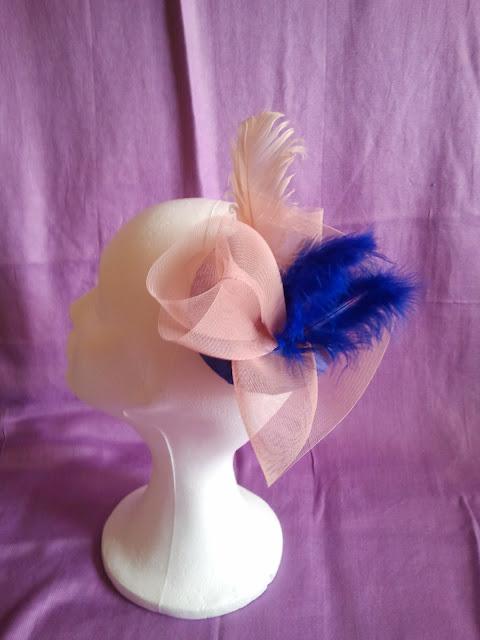 rosa palo, tocados, telas, azul cobalto, crin, plumas, baratos, económicos