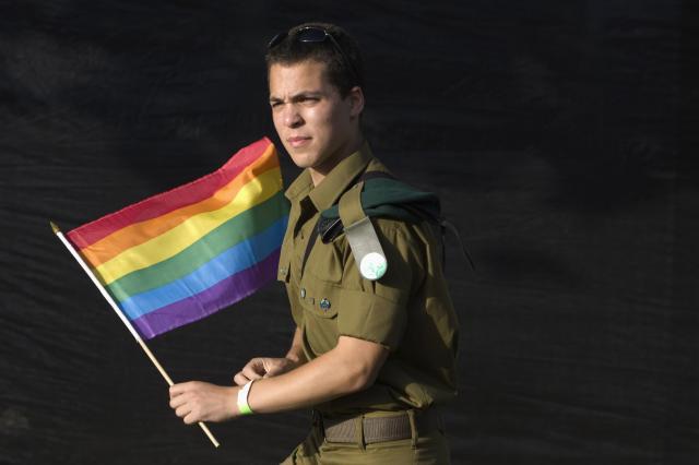 IDFGay1 Dressing For Sex ...