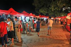 Mercado de noite em Vientiane