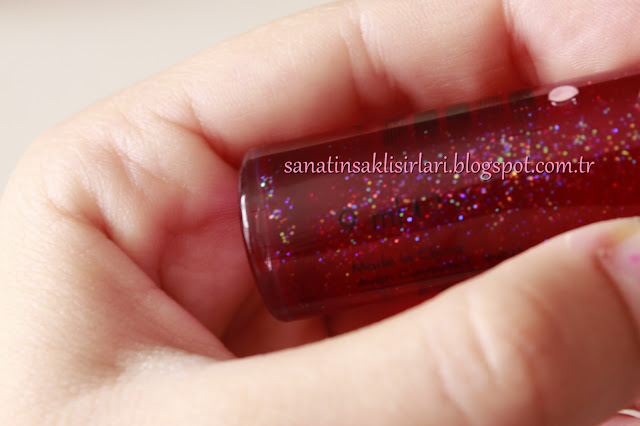 Avon Color Trend Çilekli Simli Kırmızı Dudak Parlatıcısı
