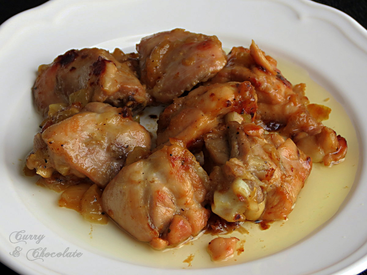 Pollo encebollado – Onion and garlic chicken