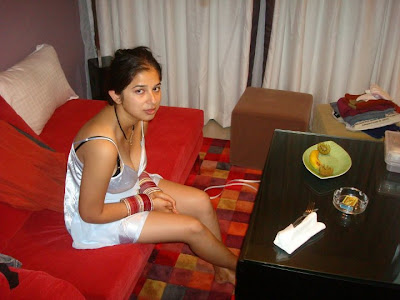 College Girls Private friendship and very romantic onilne chatting and ...
