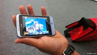 ابتكار بريطانى: استخدام بول الإنسان في شحن بطارية المحمول  - تليفون موبايل جوال - mobile self-phone