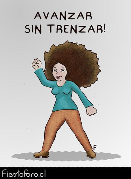 Una mujer con tremenda chasca o cabellera avanza desafiante con el puño en alto.