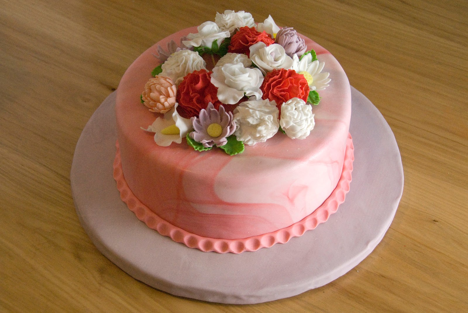 Decorate Cake With Fondant Flowers : Night Baking: 3rd blogiversary fondant flower garden cake