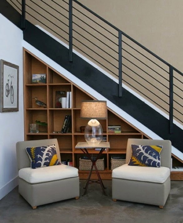 portaat, metallikaide, kirjahylly, oleskelutila