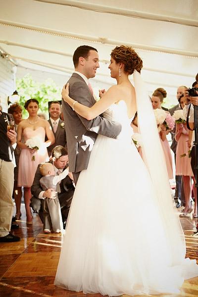 inn at woodstock hill wedding: first dance