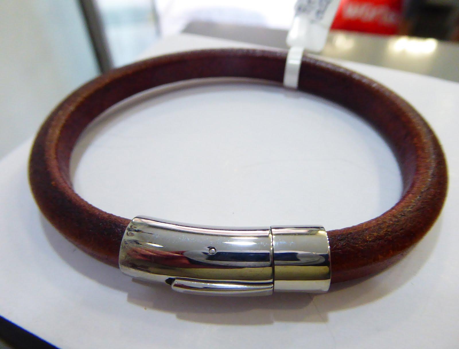 Pulsera italiana de cuero y cierre de acero