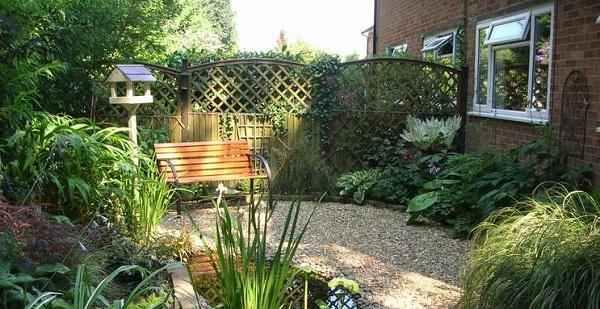 Jardines con grava guia de jardin for Decoracion jardin grava