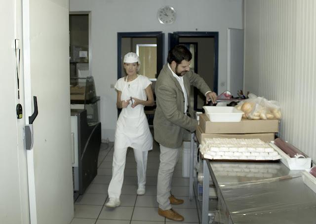 Foto del obrador preparando un pedido