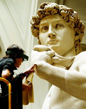 a look into the life of michelangelo and statue of david Смотреть видео explore the artistic life of michelangelo,  michelangelo took over a commission for a statue of david, which two  this not only got michelangelo into.