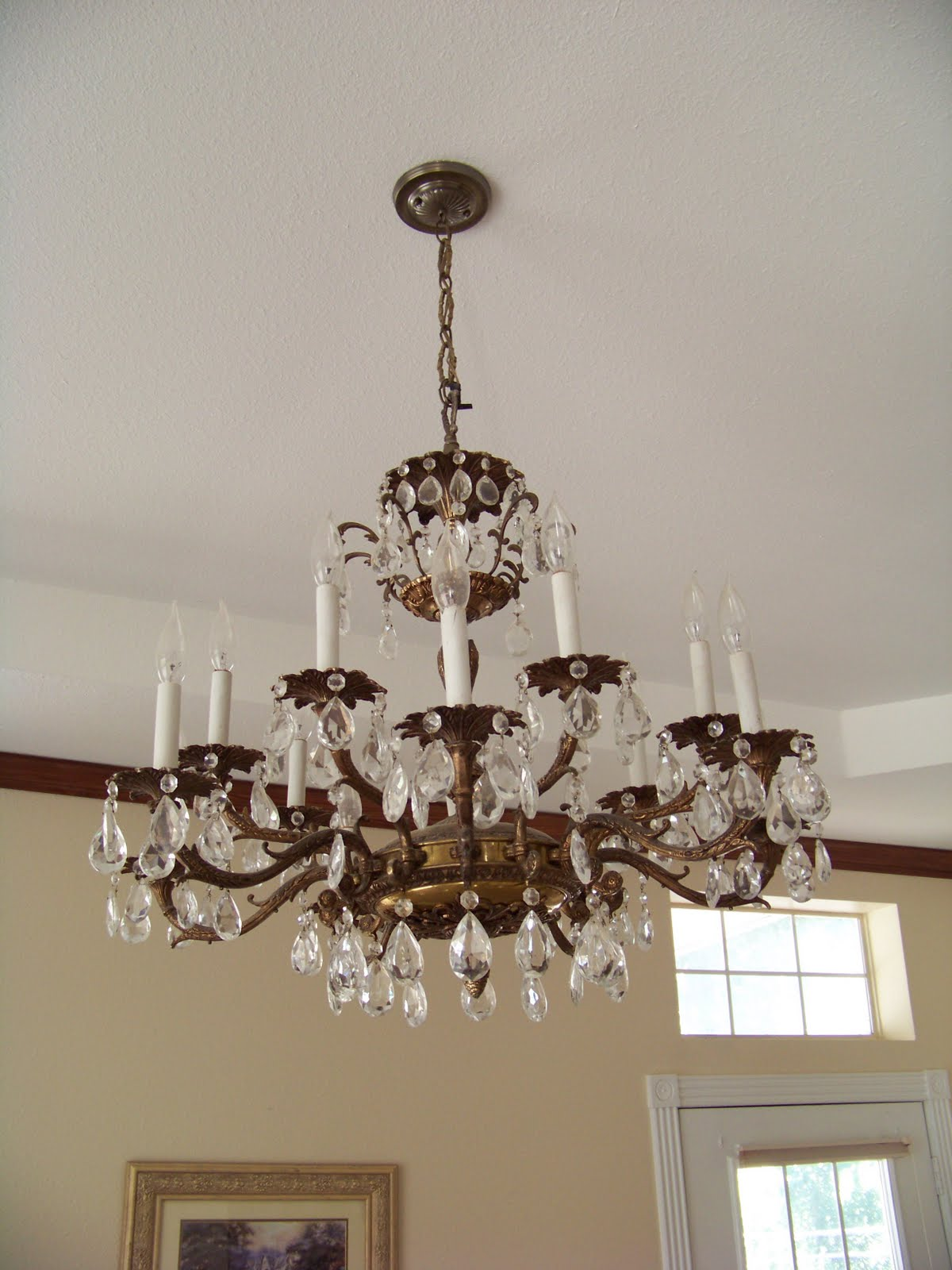 of the chandeliers. There were several. Just about every room had one title=