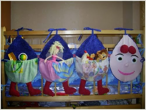 Hanging cloth storage pockets Kids Room