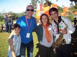 Elena Roger, Sergio, Franco y Lucas Baldassini
