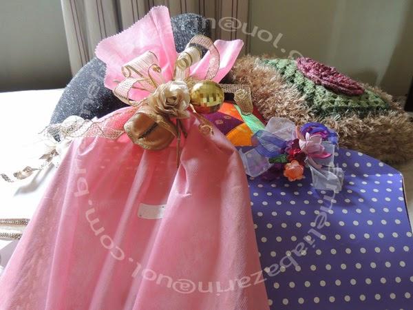 embalagem para presente com flor de eva e flor seca