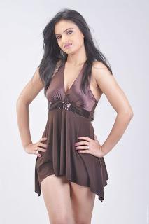 Actress-Ritu-Kaur-Hot-Photos_actressphotoszone.blogspot.com_14.jpg