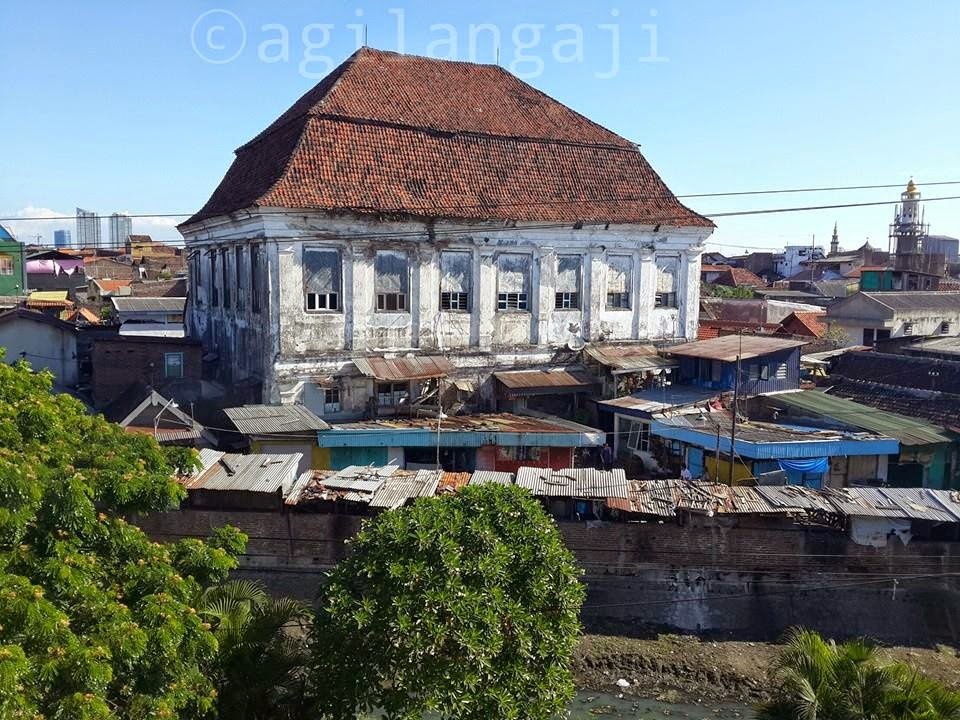 Gedung Setan Banyuurip Surabaya