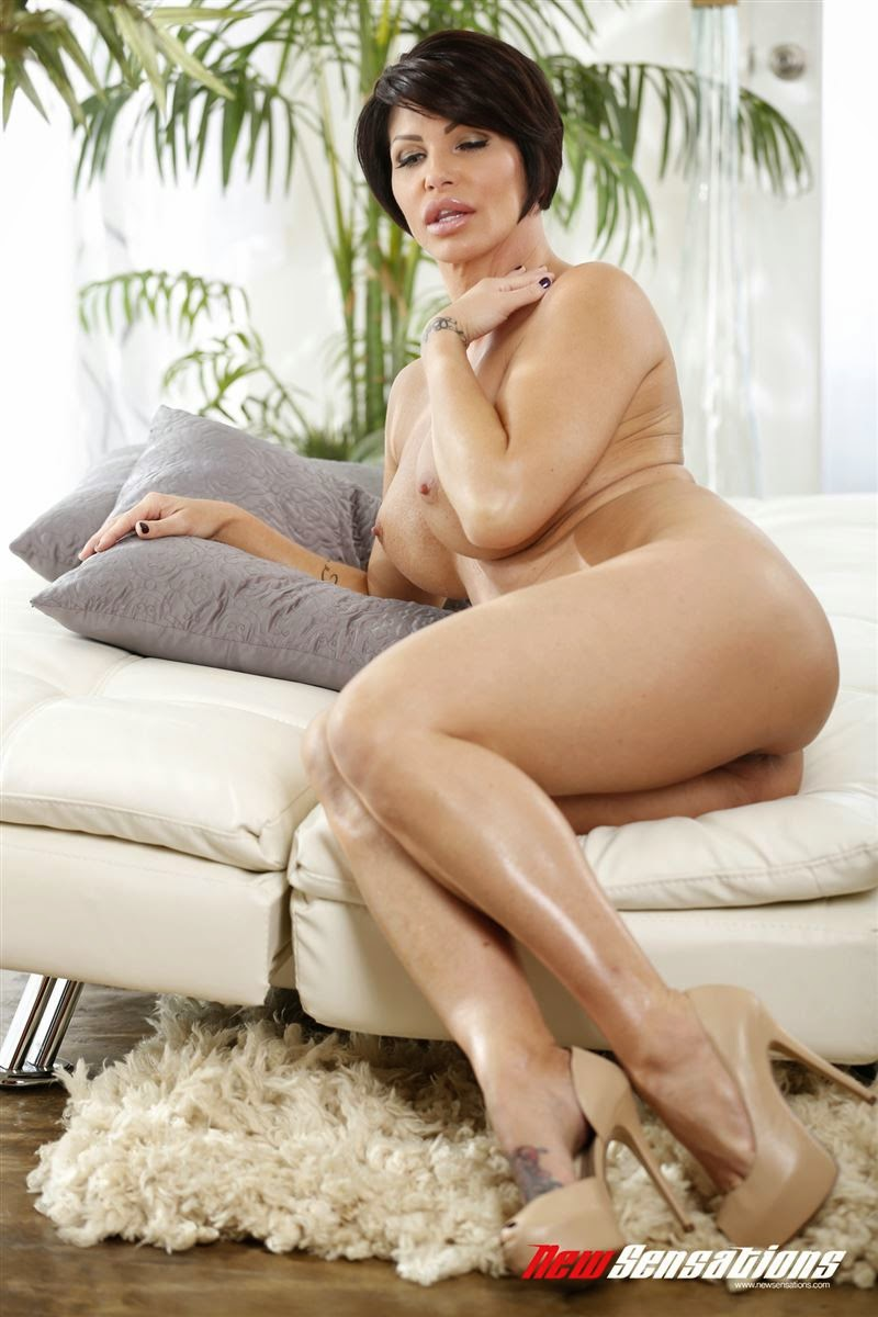 Mature older woman sexy legs