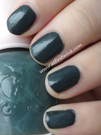 Etude House nail polish DBL603 - Never Navy swatches