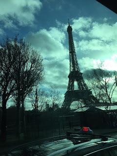 tour eiffel taxi parisien