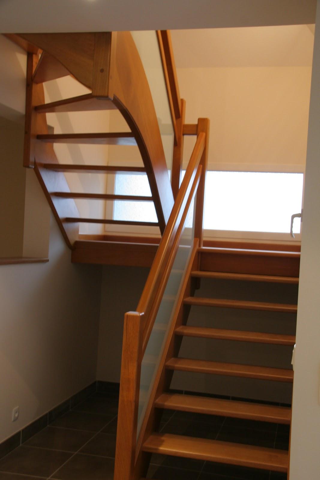 Escaliersbois64800 escalier avec palier intermaidiaire for Escalier avec palier intermediaire