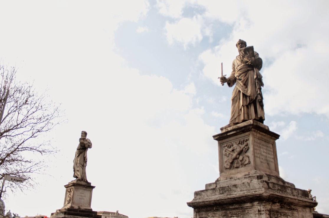 Le due statue di San Pietro e San Paolo