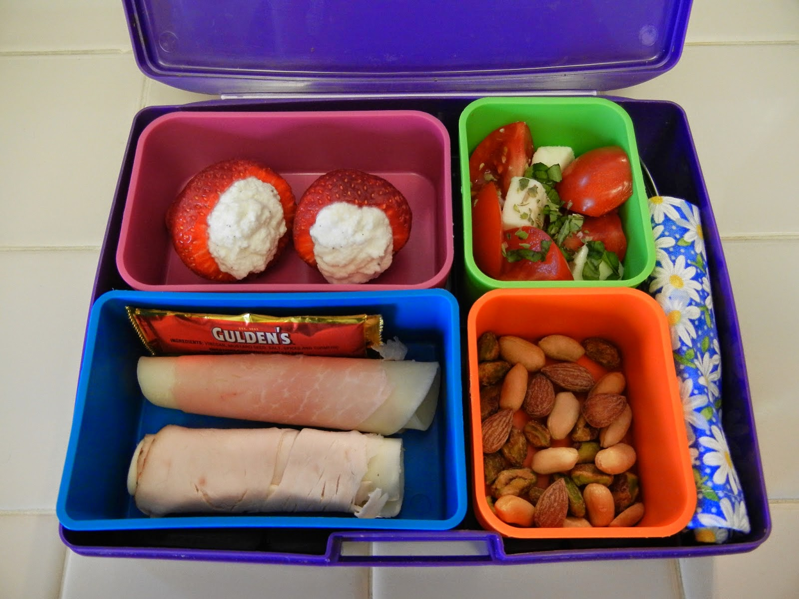 Bento+Lunch+Cold+Cut+Rollups+Strawberry+Cannoli Weight Loss Recipes 5 Things to Do With Cold Cuts
