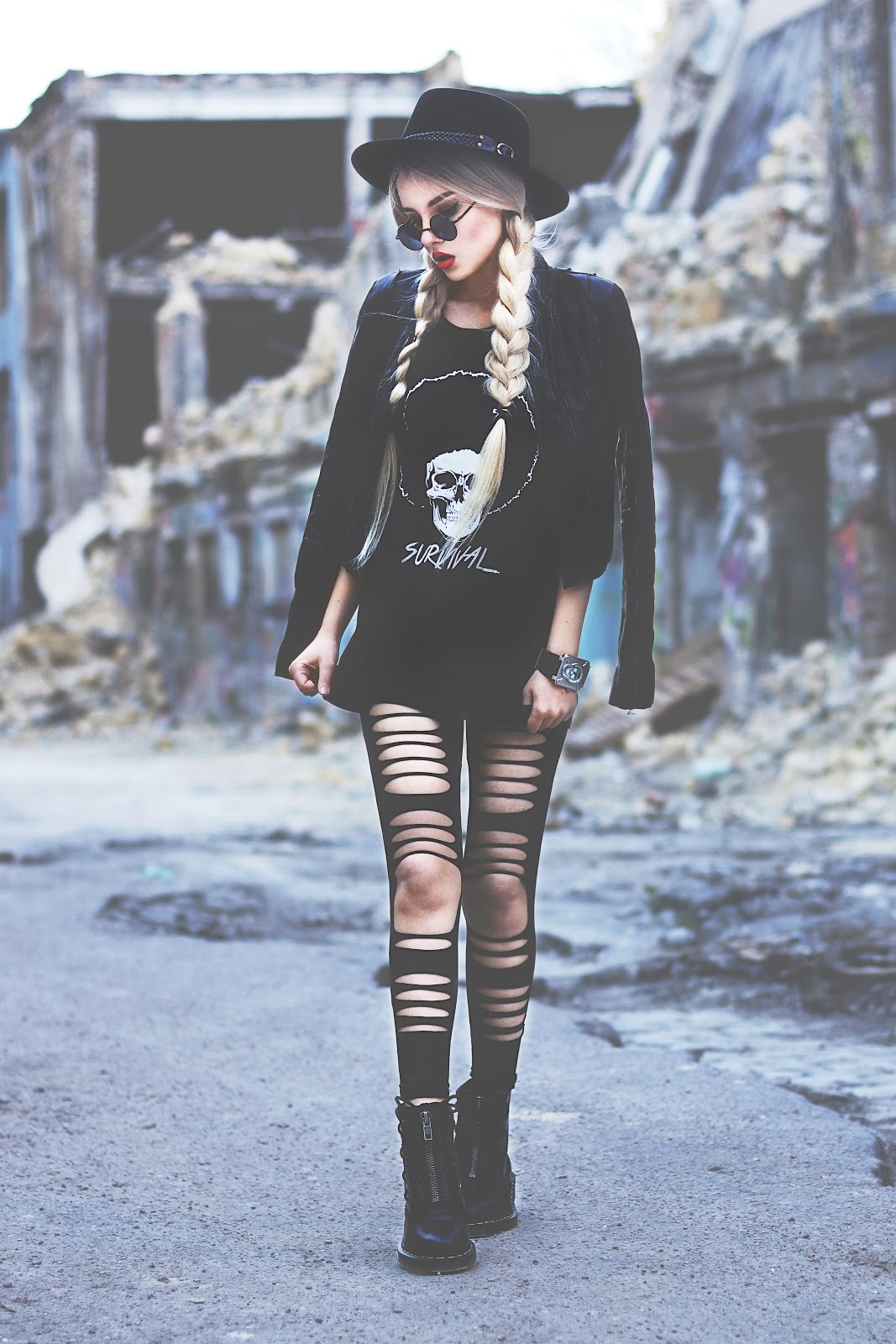 famouse fashion blogger, top fashion bloggers, grunge clothes, new gothic style