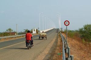Последние километры к границе Камбоджа - Лаос и борьба с коррупцией на границе