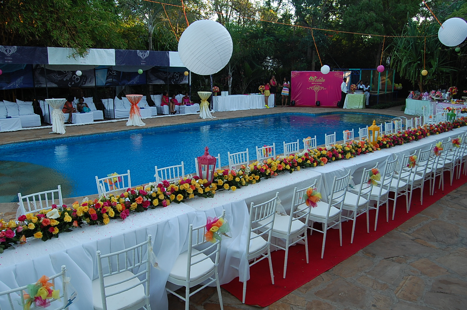 African pearl bridal amazing decor for Pool dekoration