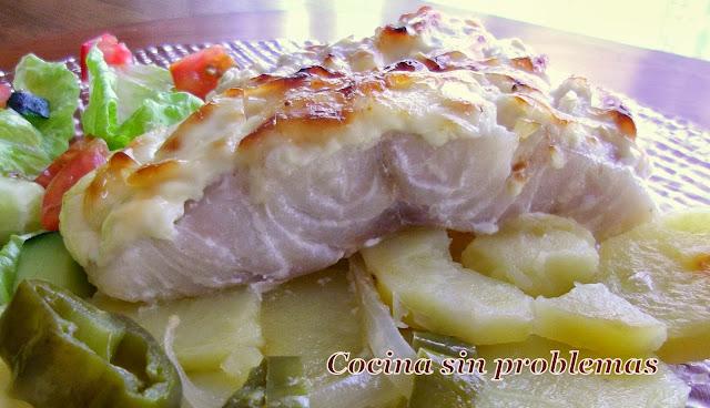 Cocina sin problemas bacalao con costra de mayonesa y for Cocina bacalao con patatas
