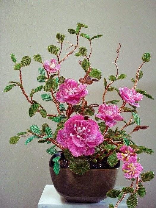 Цветы из бисера 945