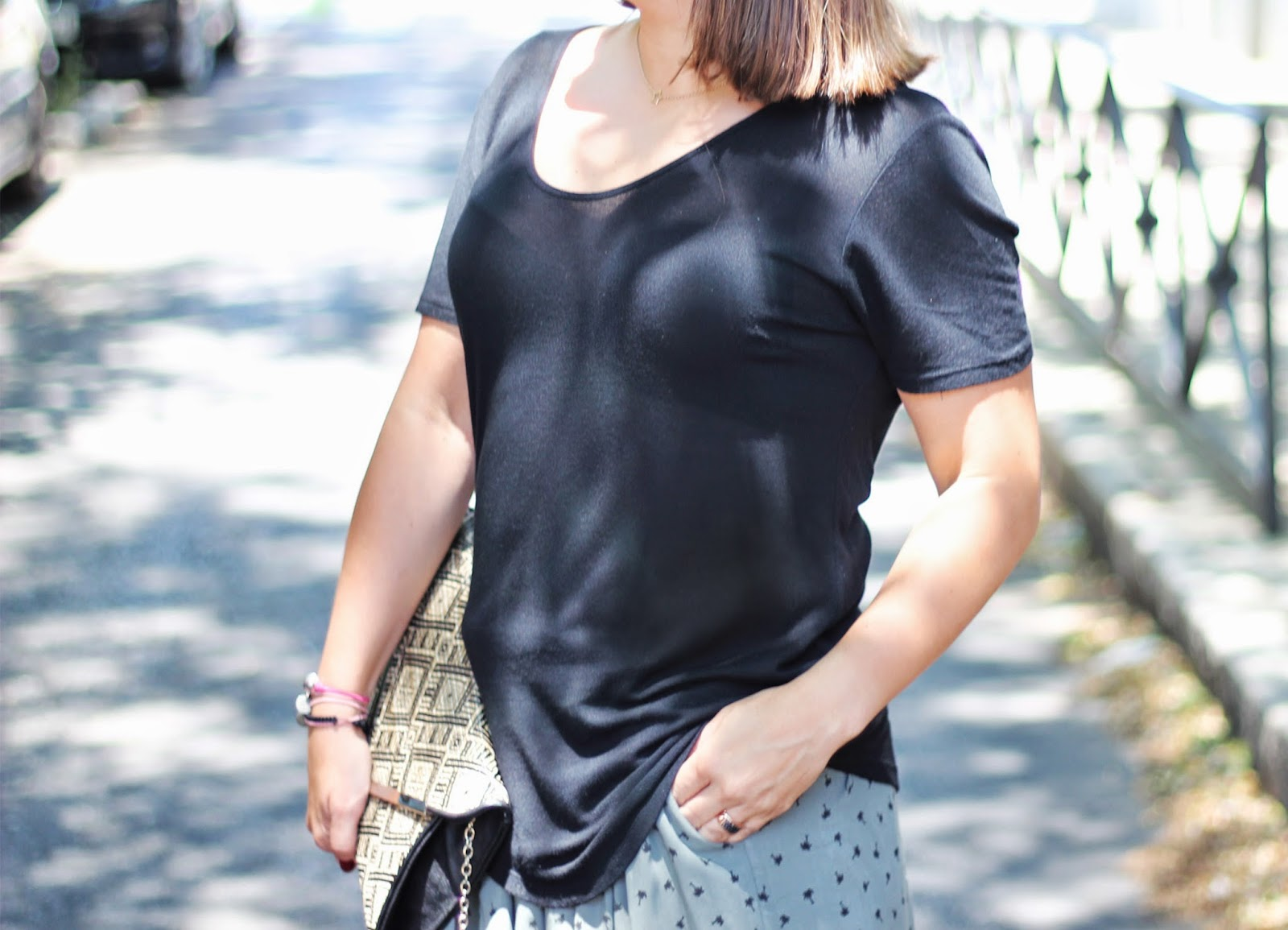photo-look-black_shirt_palms_skirt_kakhi-zara_shoes