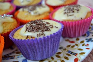 Lemon curd- muffinit