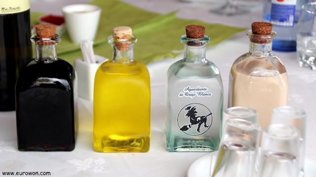 Licores gallegos con licor café, caña de herbas, caña blanca y crema de orujo