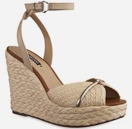 Arezzo verão sandália de couro e bordado com plataforma de ráfia