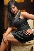 Hashika dutt latest sizzling pics-thumbnail-20